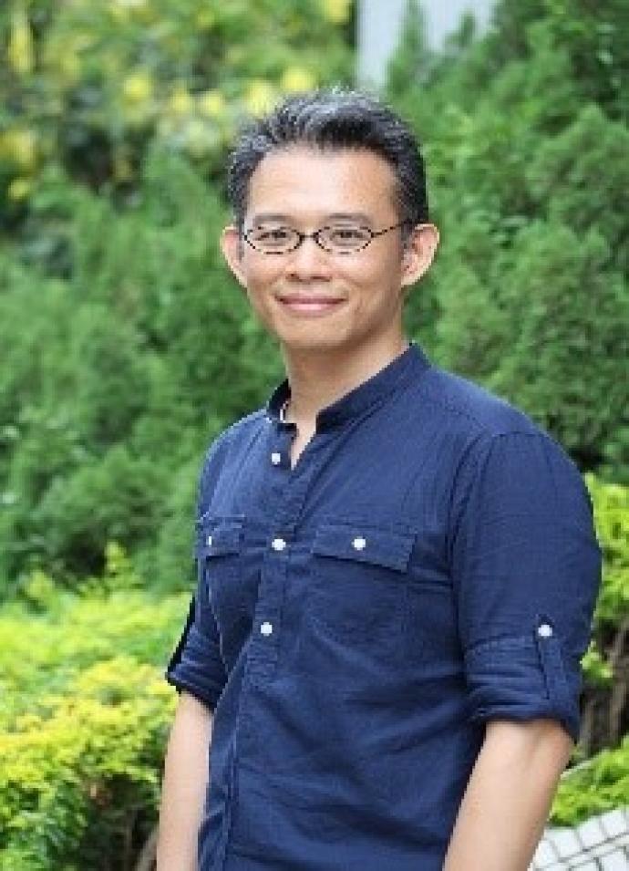 Hou-Feng Li