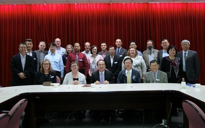 美國猶他州立大學師生蒞院參訪