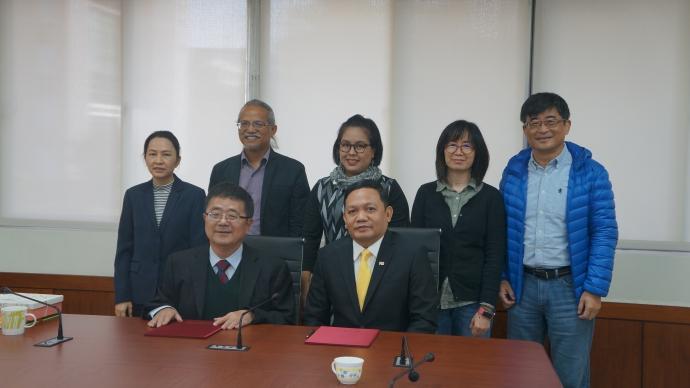 泰國Naresuan University農資與環境學院院長以及三位院內教師來訪農資院,簽署合作備忘錄
