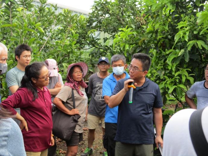 【公關組】興大植物教學醫院名聲遠播 受邀至屏東協助農友解決問題